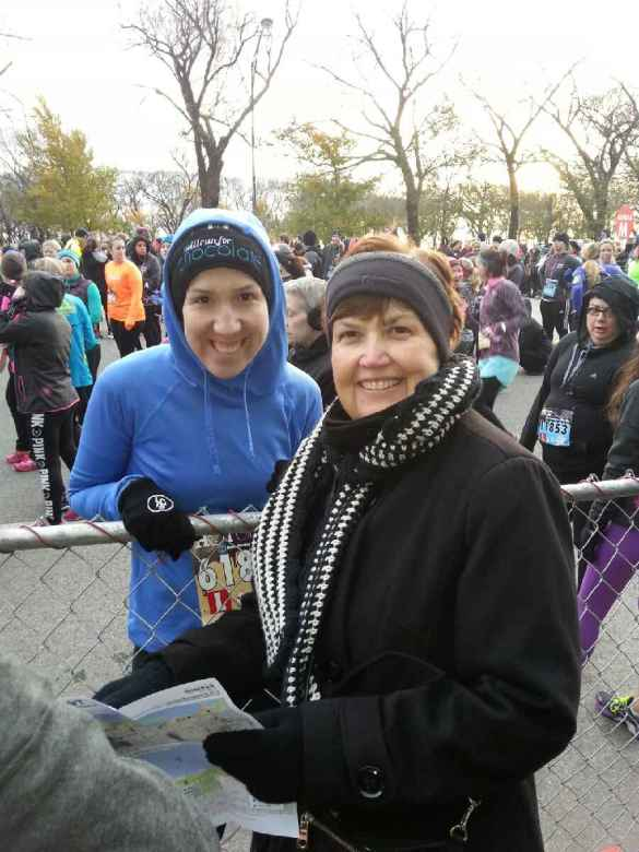 Grabbed a pic with my mom before the race started!